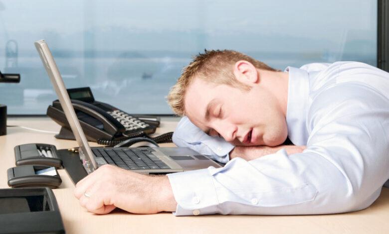 چرا افراد تنبل معمولا موفق تر از افراد سختکوش هستند؟